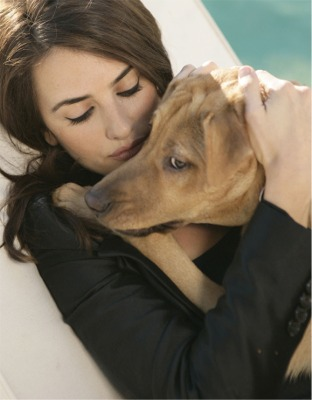 Penelope Cruz And Dog